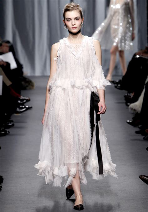spring 2011 couture fashion shows style chanel couture spring 2011 taryn cox the wife