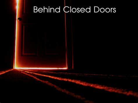 closed doors creepypasta scary website