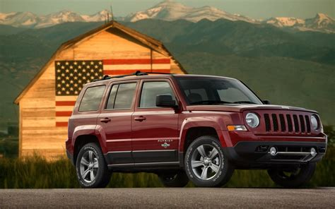 jeep patriot freedom edition pays tribute  veterans