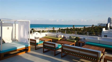 top miami bars c level rooftop terrace rooftop bar in miami therooftopguide com