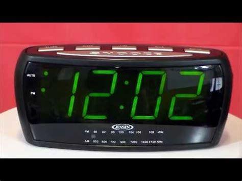 jcr 208 large display am fm alarm clock radio