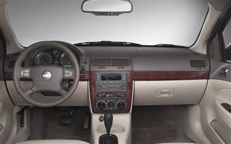 Cobalt Interior by 2005 Chevrolet Cobalt Interior Photo 3