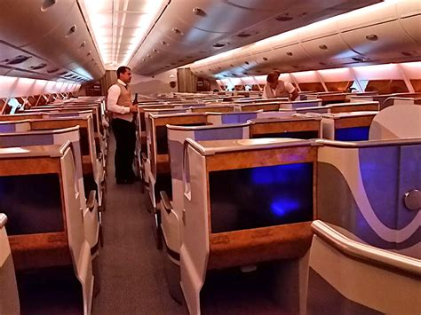 a380 kabine review emirates business class im a380 800 im check the