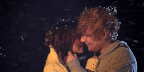 ed sheeran perfect zoey deutch ed sheeran y zoey deutch disfrutan de su amor en la nieve