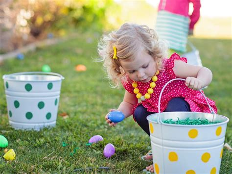 host a kids easter egg decorating and hunt party entertaining ideas party themes for every
