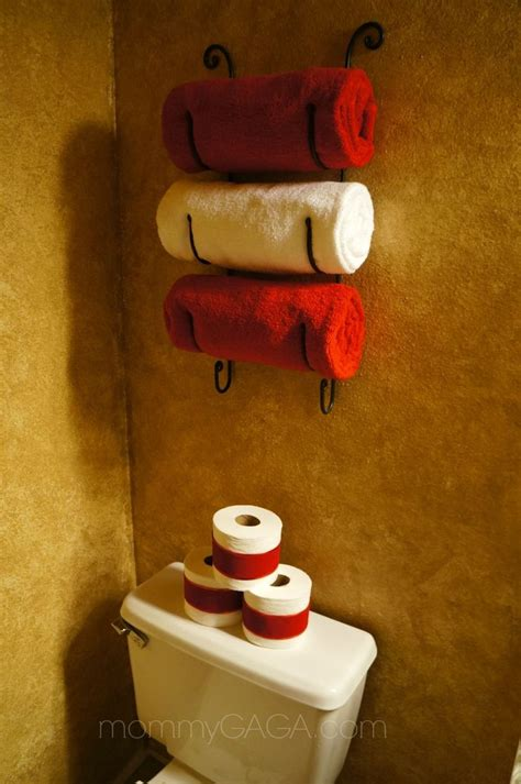 christmas decorations for the bathroom best 25 christmas bathroom decor ideas on pinterest christmas bathroom christmas