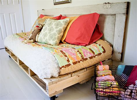 how to build a day bed 8 gorgeous diy daybed ideas for your home