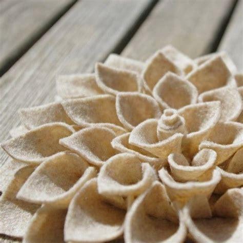 fiore in pannolenci fiore bianco in pannolenci progetti da provare flores