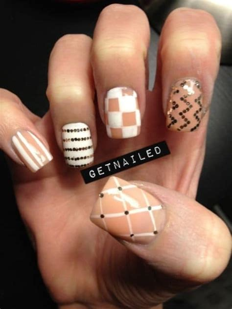 Finger Nail Designs by 10 Radiant Nail Designs For Ring Finger Naildesigncode