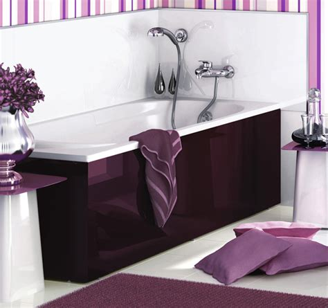 purple and white bathroom dark purple white bathroom interior delpha evolution 2 bathtub jpg 600 215 564 purple