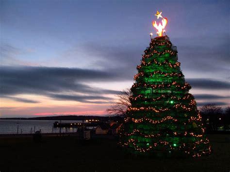 lobster trap tree coastal christmas pinterest