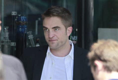rob pattinson news robert pattinson reportedly dating model