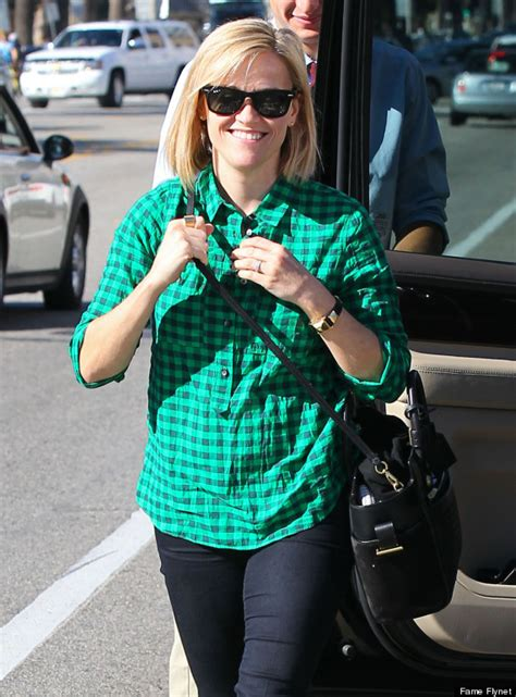 Reese Witherspoons New Look reese witherspoon cuts hair into bob for fresh new