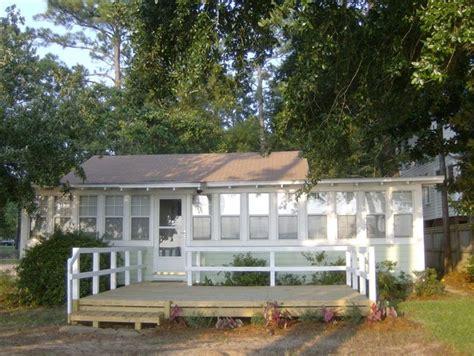 family bayfront cottage