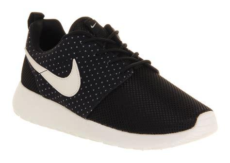 nike roshe run black sail trainers shoes ebay