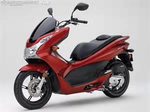 Buy Honda Pcx 150 2013 Honda Pcx150 Ride Photos Motorcycle Usa