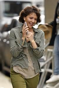 Name That Bag Maggie Gyllenhaal by Maggie Gyllenhaal On The Set Of Inside Schumer In