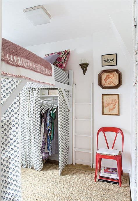 how to hang curtains in a dorm 25 best ideas about dorm room curtains on pinterest