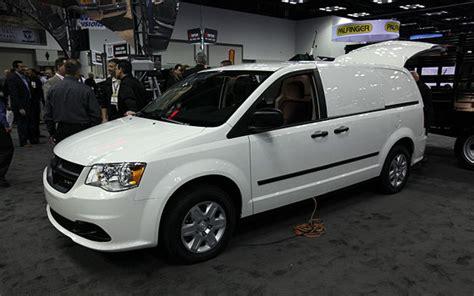 chrysler cargo ram cargo chrysler unveils minivan based delivery hauler