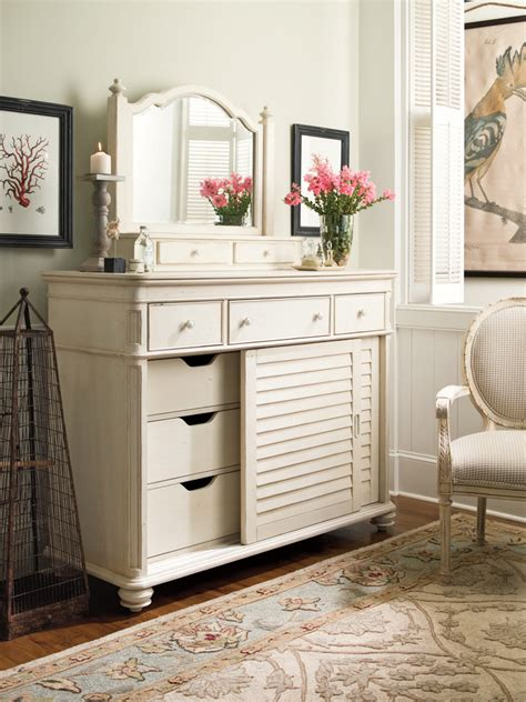 paula deen bedroom furniture universal furniture paula deen home paula deen steel magnolia bedroom set in linen home