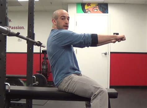 shoulder pain when i bench press pain in shoulder from bench press 28 images proper bench press form to avoid