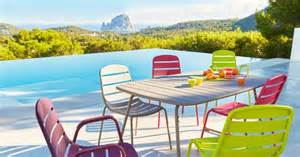 Salon De Jardin Colore