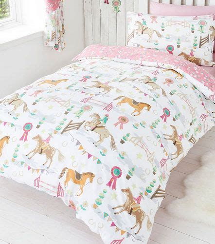 girl horse bedding 17 best ideas about horse bedding on pinterest horse rooms horse themed bedrooms