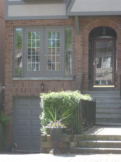 exterior trim colours  brick  cloud white