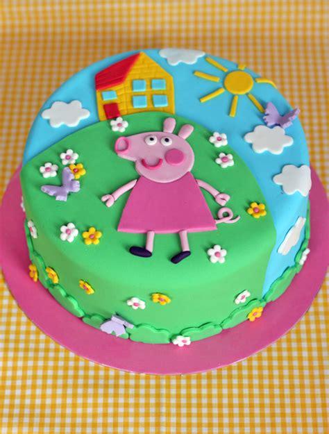 peppa pug cake butter hearts sugar peppa pig birthday cake