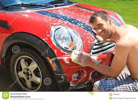 auto zuhause waschen auto w 228 sche lizenzfreies stockfoto bild 14495085