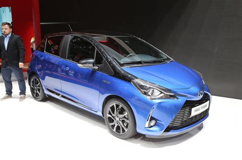Hu Toyota All New Yaris 2017 1 new toyota yaris on sale now priced from 163 12 495 autocar