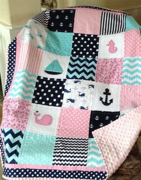Nursery Quilt by 25 Best Ideas About Crib Quilts On Baby Quilt Patterns Baby Quilts And Simple Baby