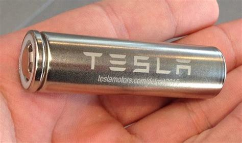 tesla 18650 cells lightning strikes why the tesla model s is so incredibly