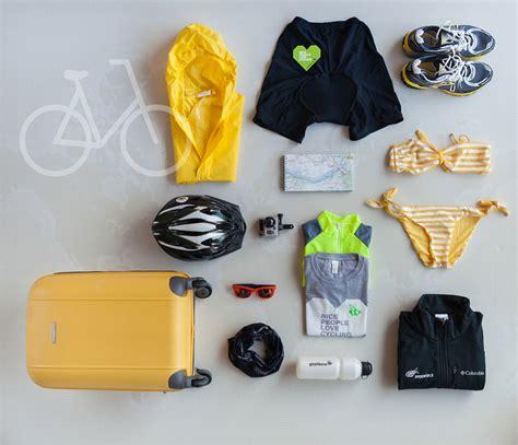 cosa portare in vacanza cosa mettere in valigia per una vacanza in bicicletta