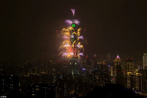new year 2015 dates taiwan new year s balloons in tokyo after sydney s firework