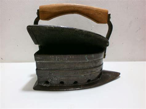 Setrikaan Antik antikpisan setrika kuningan antik bentuk kapal sold out
