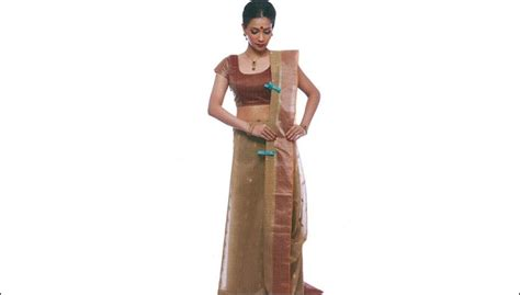 perfect saree draping bengali saree draping 12 steps to drape your saree perfectly