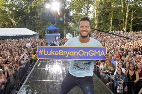 country music concerts in america 2014 luke bryan rocks gma summer concert series with largest