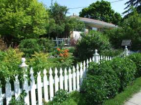Backyard For by Outdoor Fencing Ideas 003 Fencing Ideas