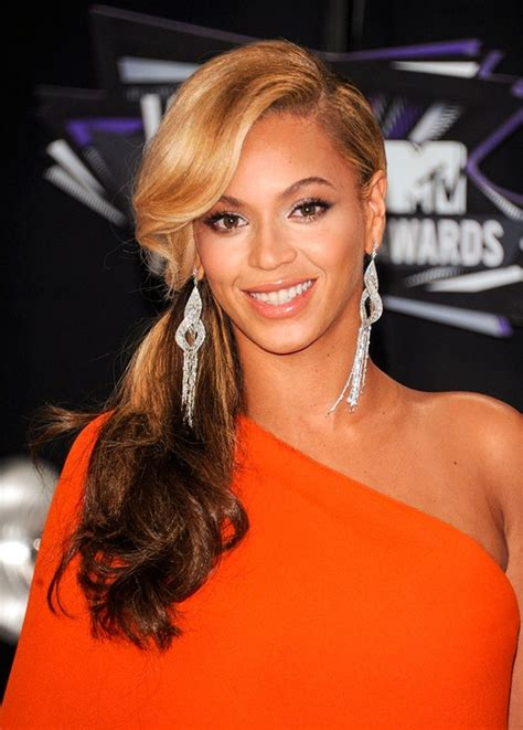 Hair Styles by Beyonce S Greatest Hairstyles 31 Ideas For Curly