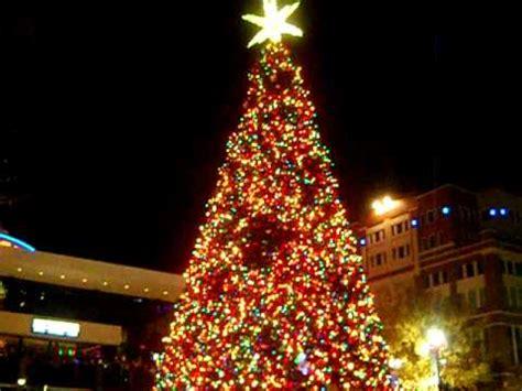 atlantic station tree lighting 2017 atlantic station christmas tree lighting 2010 youtube
