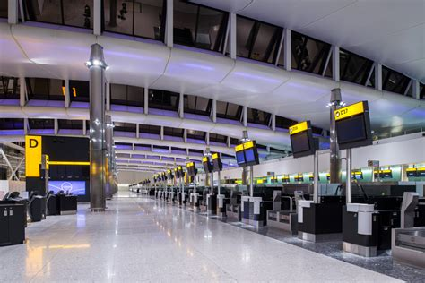 flight arrivals and departures heathrow international airport london image gallery heathrow arrivals terminal 2