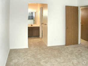one bedroom apartments in kalamazoo candlewyck apartments rentals kalamazoo mi apartments com