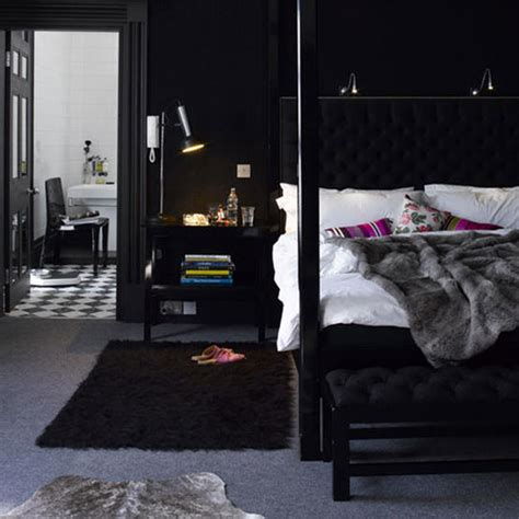 Black Walls In Bedroom by Bedroom Decoration Black Wall Pretty Designs