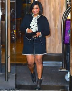 mindy kaling parents the office mindy kaling shows off shapely legs in a mini skirt as she