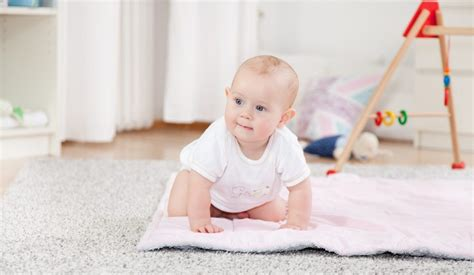 getting baby to walk getting mobile when babies start to crawl