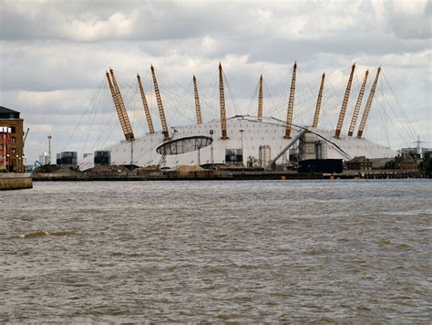 thames river boats from o2 river thames the o2 arena 169 david dixon cc by sa 2 0