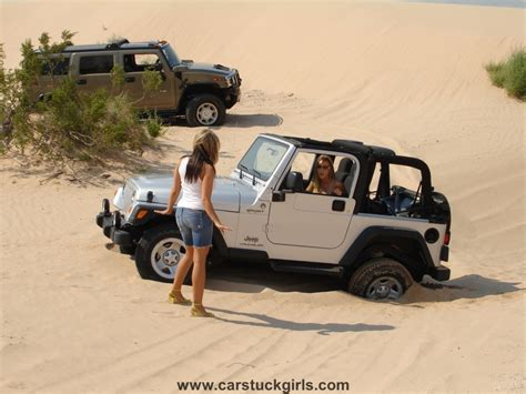 jeep jk girls hummer h2 jeep wrangler girls dunes stuck