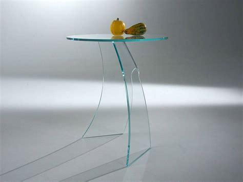 comodini in vetro tavolini in vetro curvato contemporanei e di stile