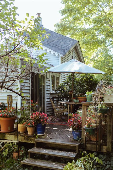A Hudson Valley Cottage Full Of Color A Cup Of Jo Hudson Valley Cottage